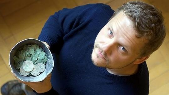 Je správne čistiť staré mince?